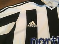 Classic Football Shirts | 2003 Newcastle United Vintage Old Soccer Jerseys
